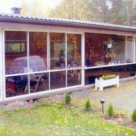 Остекление террасы в загородном доме